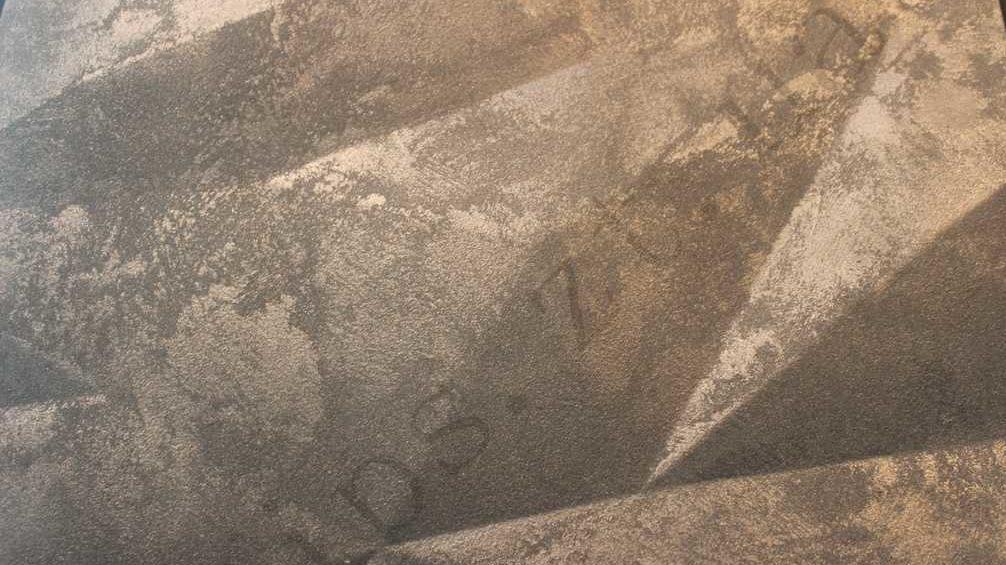 Декоративная-3д-панель-из-гипса-Кристаллы,вскрыта-декоративной-штукатуркой